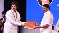 Anant Goenka (L) and Shri Sampath inaugurate the Tamil Nadu plant