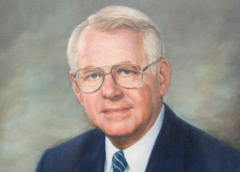 Robert Mercer, Goodyear CEO during Goldsmith raid, dies at 96