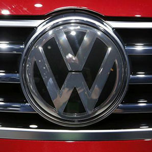 VW recalls Golfs, Golf Sportwagens, citing rollaway risk
